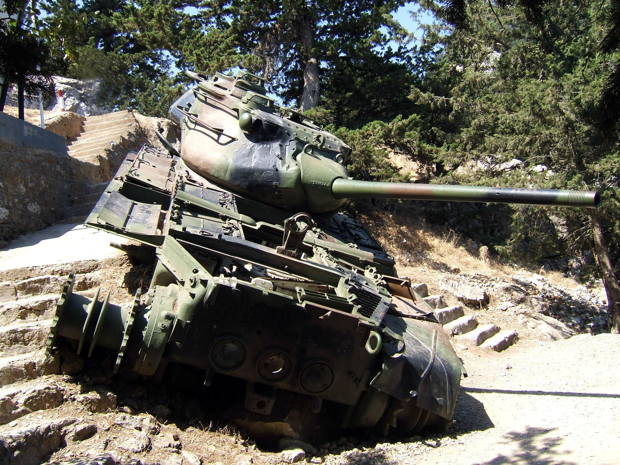 beşparmak-dağlarındaki-tank